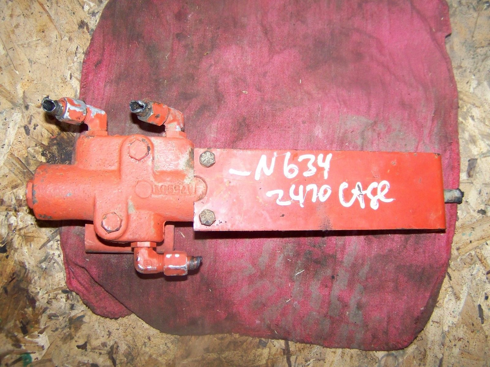 Case 2470 A76250 P.T.O Control Calve Assembly with Bracket