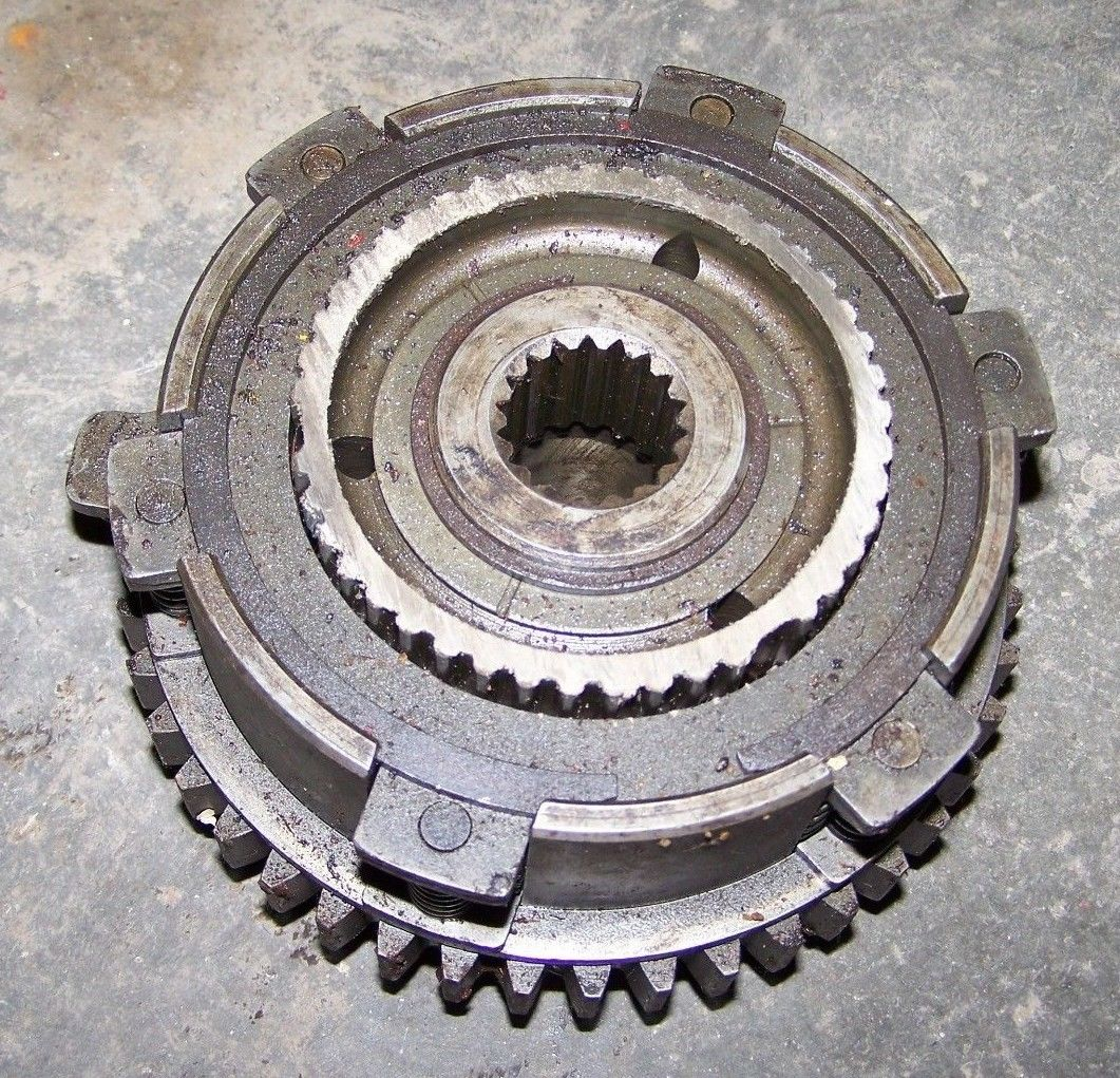 CASE INTERNATIONAL IH 585 685 885 784 ++ Gear CLUTCH CUP ASSEMBLY GEAR 66068C
