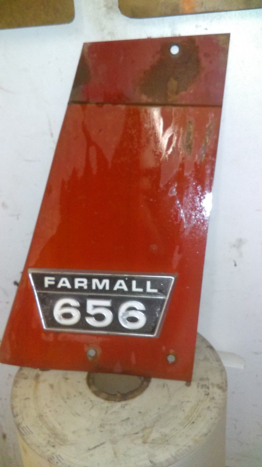 Case IH Farmall 656 RH Radiator Side Panel Cover 395465R11