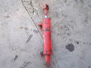 Front Hydraulic Steering Cylinder Case 2470, 2670, 2870, 4870 G100068