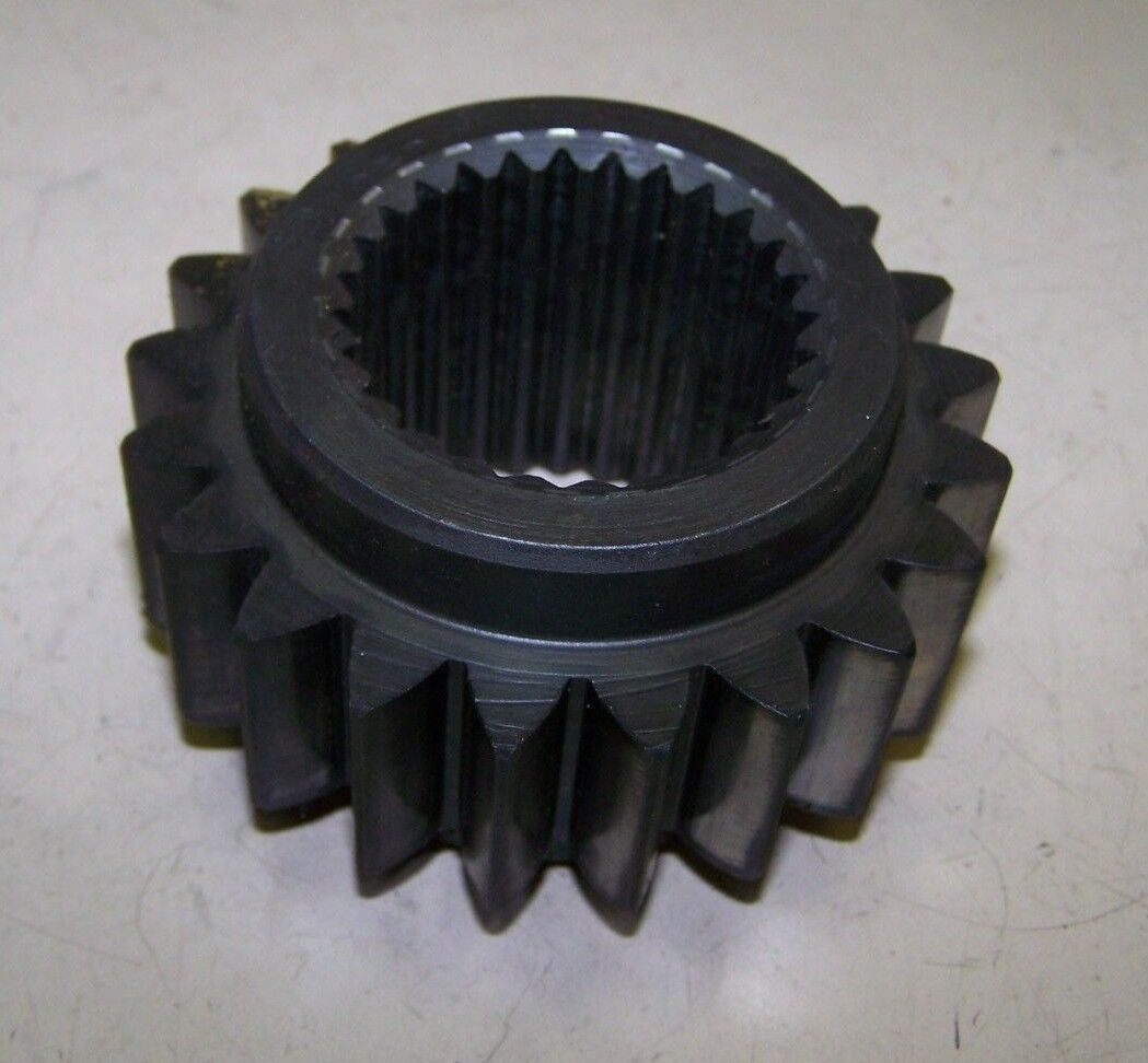 CASE IH 585 685 695 885 454 464 484 574 584 684 784 Drive Gear - Lower 404232R