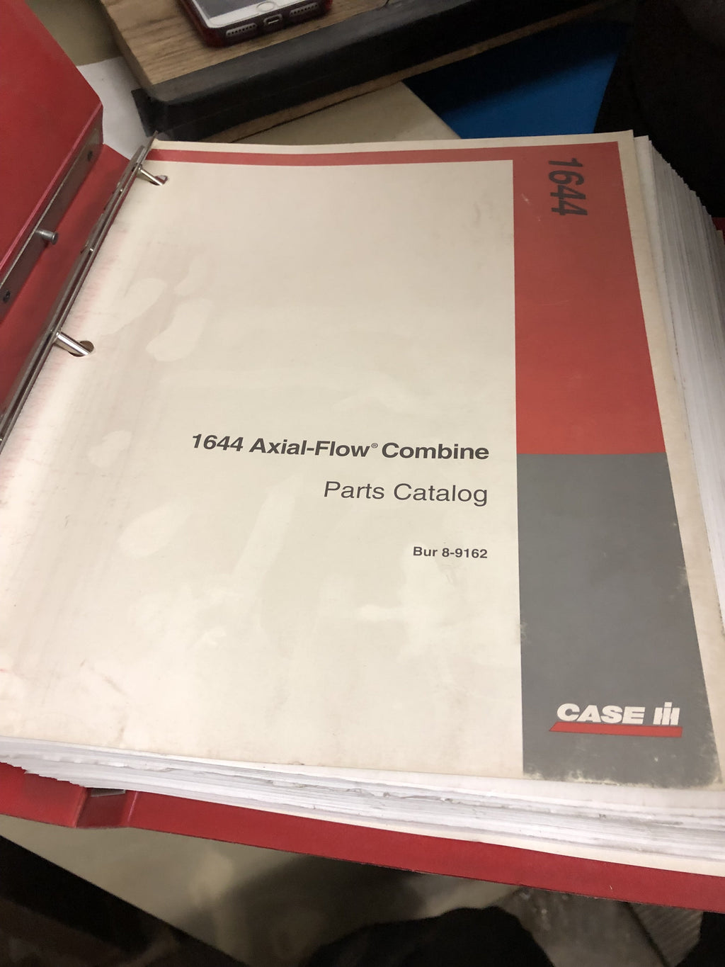 CASE IH 1644 Axial Flow Combine Parts Catalog in Binder. Rac 8-9162