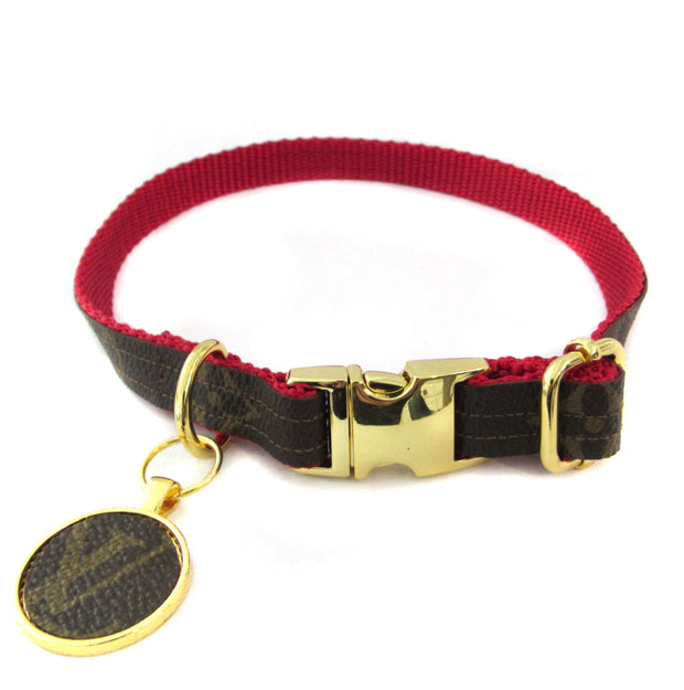Louis Vuitton Collar in Red