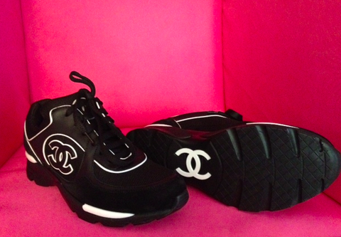 CHANEL CC LOGO 13C BLACK WHITE TENNIS SNEAKERS