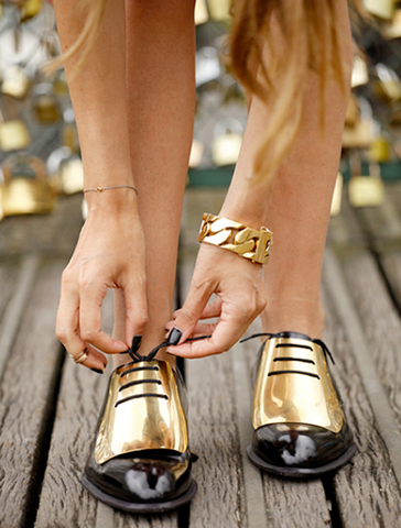 ** 2013 Celine Gold Plated Oxfords Brogues: Nicole Richie, @tashsefton **