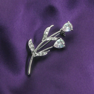 Elegant Brooch with Light Purple Austrian Element Crystals