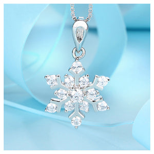 925 Sterling Silver Snowflake Pendant with White Cubic Zircon and Necklace