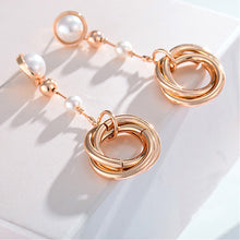 Load image into Gallery viewer, Temperament Ring Earrings with White Fashion Pearls