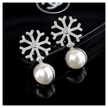 Load image into Gallery viewer, 925 Sterling Silver Snowflake Earrings with White Fashion Pearl