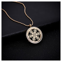 Load image into Gallery viewer, Fashion Snowflake Box Pendant with Necklace