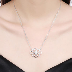 Simple Fashion Hollow Pattern Cubic Zircon Necklace