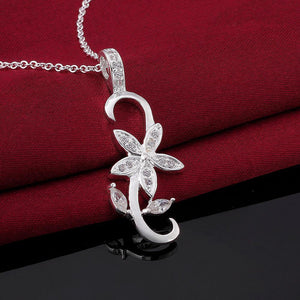 Simple and Fashion Flower Pendant with Cubic Zircon and Necklace