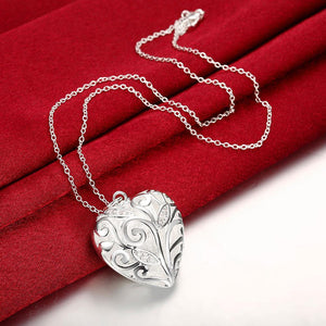 Simple and Fashion Heart Pendant with Necklace