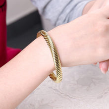 Load image into Gallery viewer, Fashion Pop Plated Gold Geometric Textured Bangle