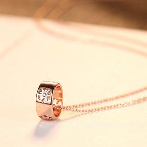 925 Sterling Silver Plated Rose Gold Simple Fashion Ring Flower Pendant with Cubic Zirconia and Necklace