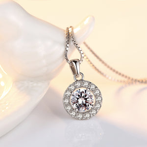925 Sterling Silver Fashion Brilliant Geometric Round Pendant with Cubic Zirconia and Necklace