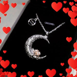 925 Sterling Silver Love on the Moon Pendant with Pisces horoscope (19 Feb-20 Mar)