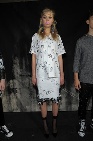 Claire Barrow Spring/Summer 2013 Look 7 Faces screen printed  white linen shirt and skirt with cotton wool trim