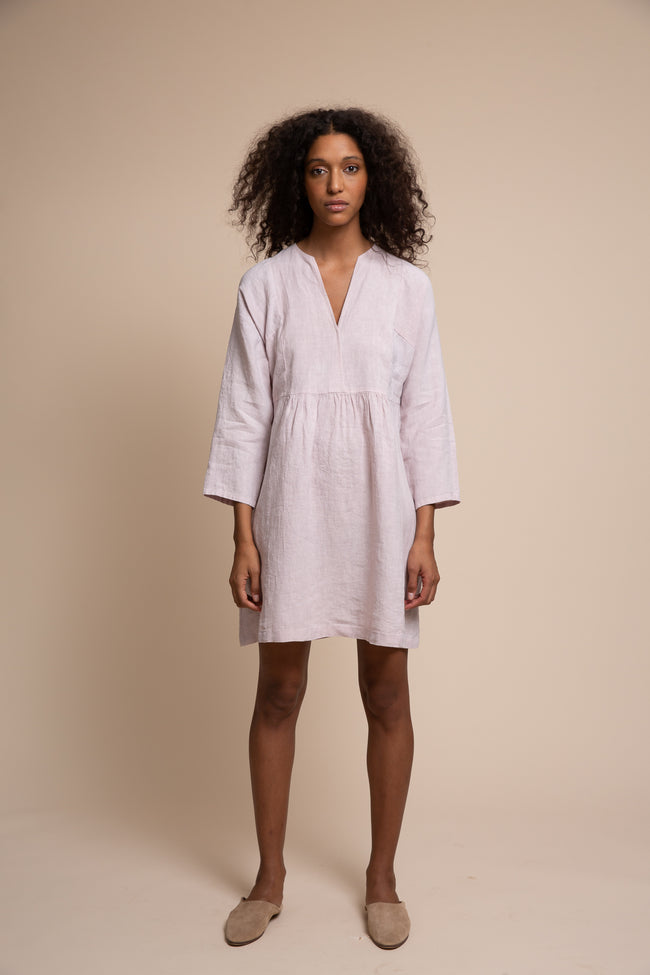 A sustainable washed linen go-everywhere style that takes you from morning meeting to OOO, the Irving dress is made in the USA.