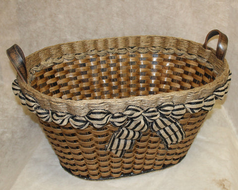 Shabby Chic--Laundry Basket w/o flower