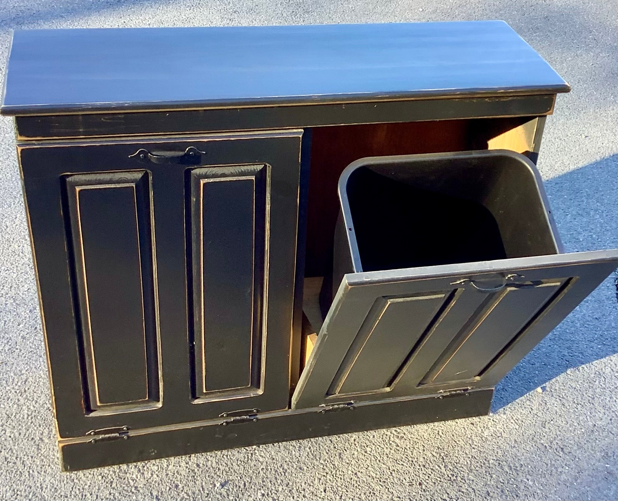 Farmhouse Double Tilt Trash/Recycle Unit
