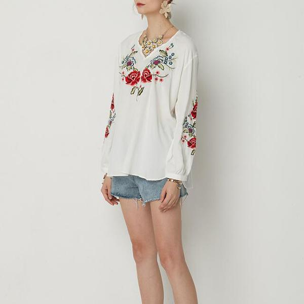Embroidered Floral Blouse V-neck Tops