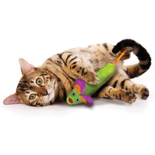 Load image into Gallery viewer, Petstages Green Magic Mightie Mouse Cat Toy