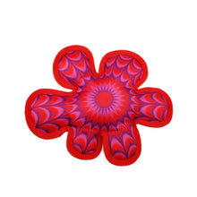 Load image into Gallery viewer, KONG Illusions Flower Fetch Toy va0