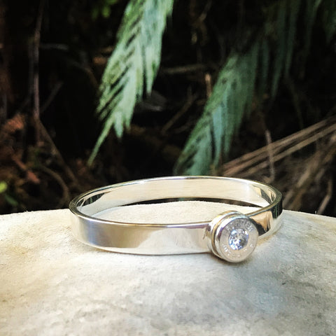lady hunter bangle (silver bullet thick band)