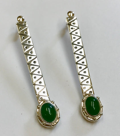pounamu new beginnings earrings -mid green