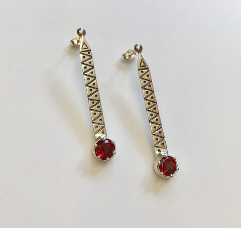 empower earrings (garnet)