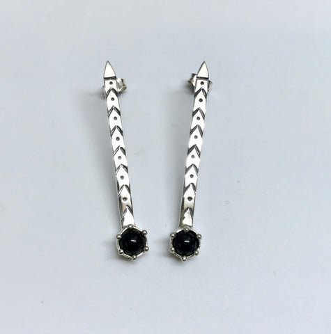 arrow earrings - black onyx