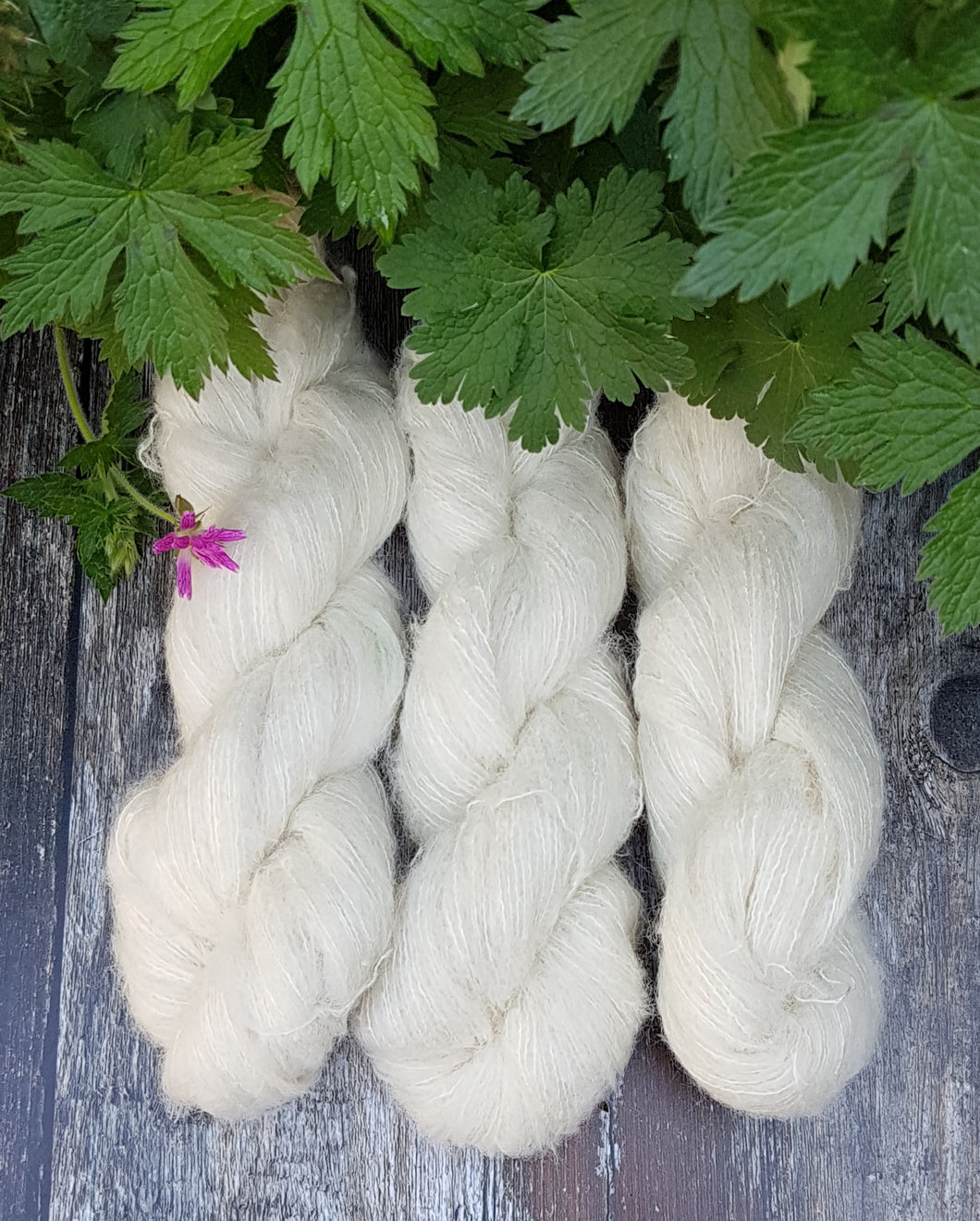 SURI ALPACA SILK  50G  NATURAL.
