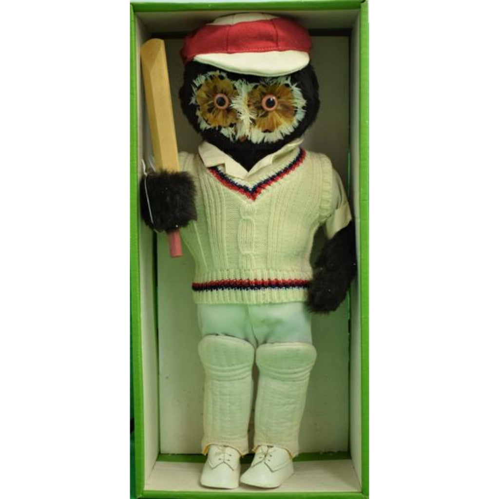 "Abercrombie & Fitch London Owl ""The Cricketer"""