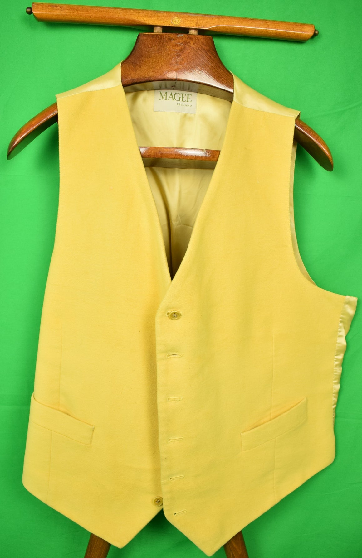 Magee of Ireland Doeskin Yellow Vest Sz: 46R
