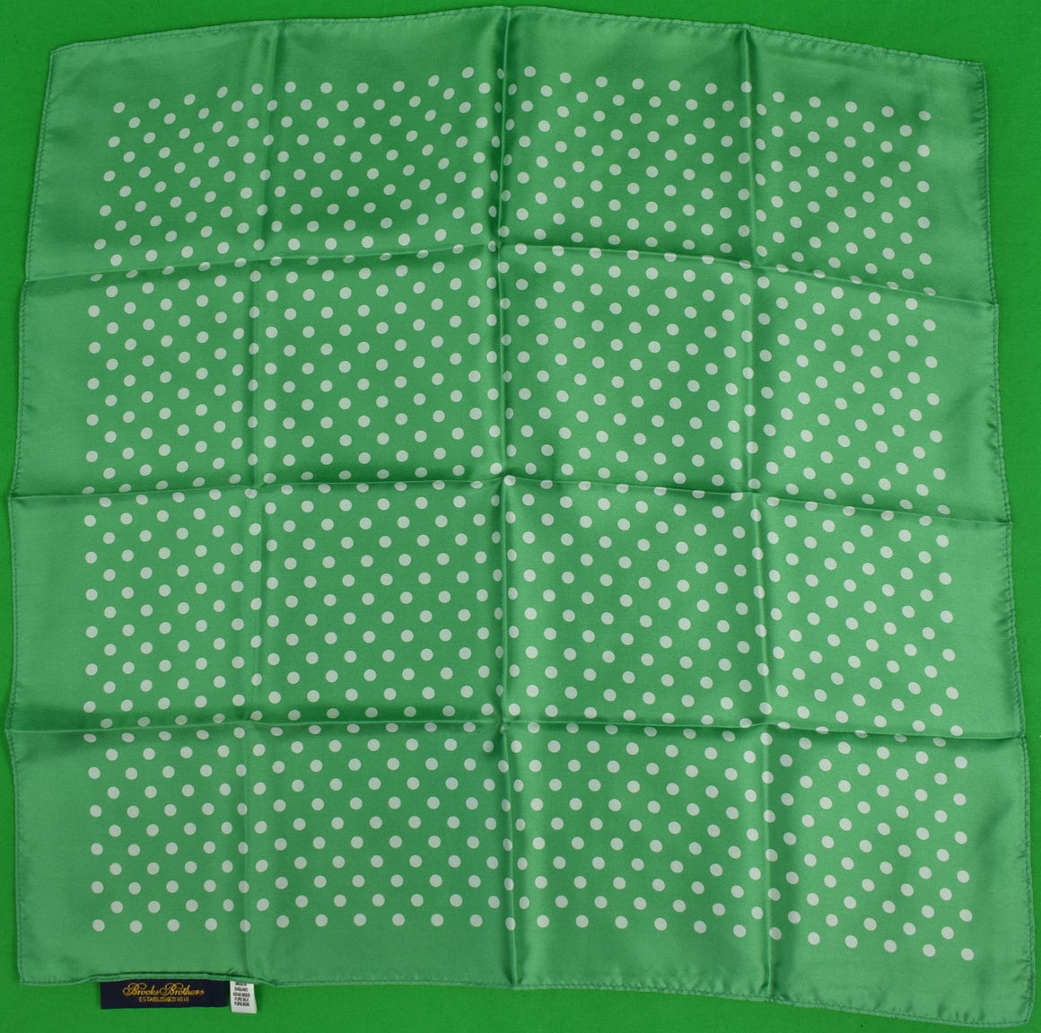 Brooks Brothers English Silk Green w/ White Polka Dot Pocket Square