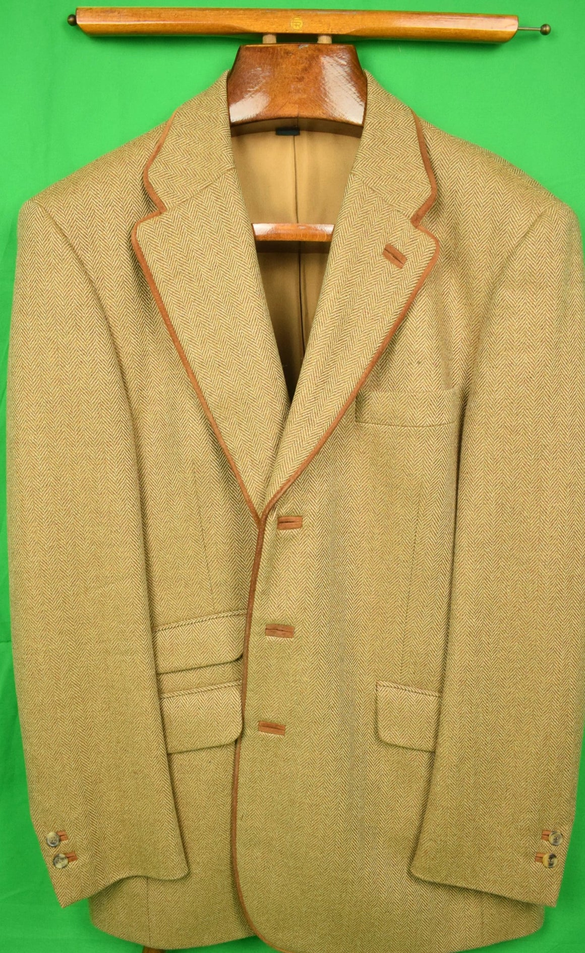 'Holland & Holland Herringbone Tweed Shooting Jacket' Sz: 44L