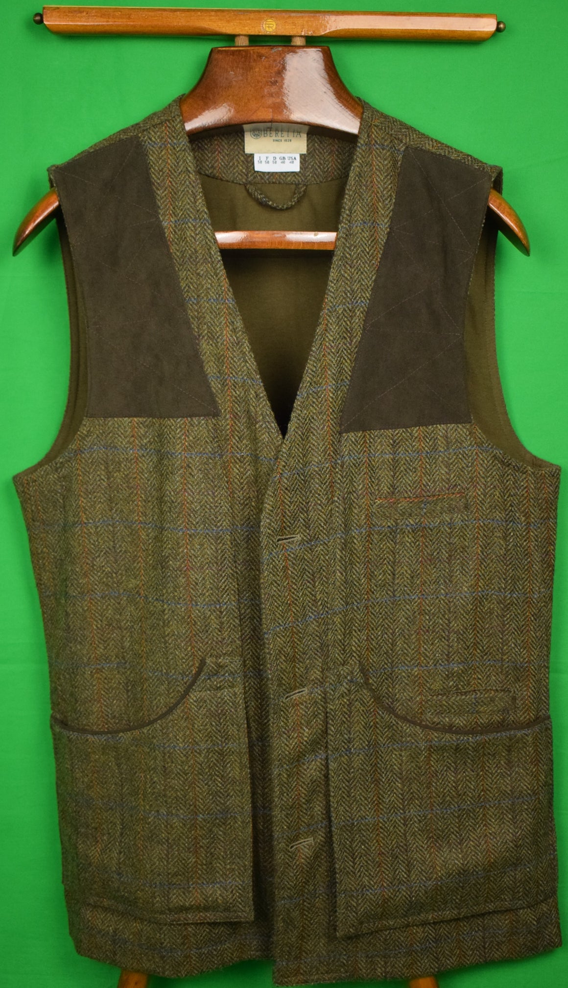 Beretta Herringbone Tweed Shooting Vest w/ Quilted Suede Shoulder Patches Sz: 40
