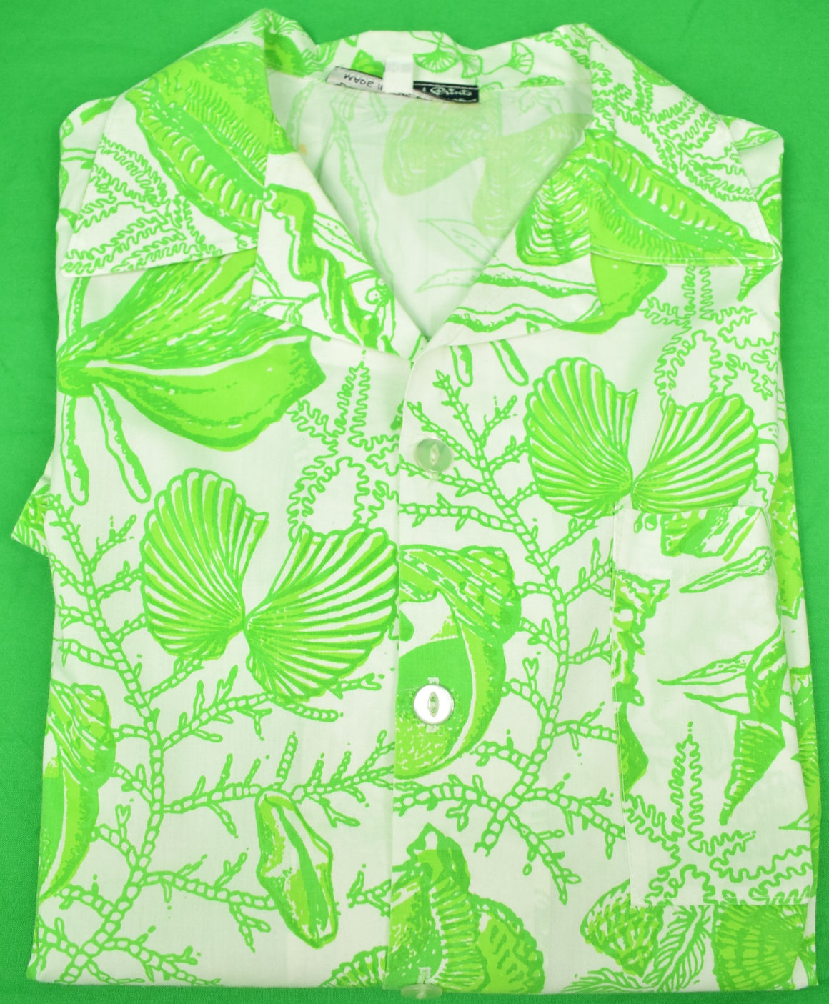 Bahamas Hand-Print Short Sleeve Shirt w/ Lime Green Conch Shells Sz. XL