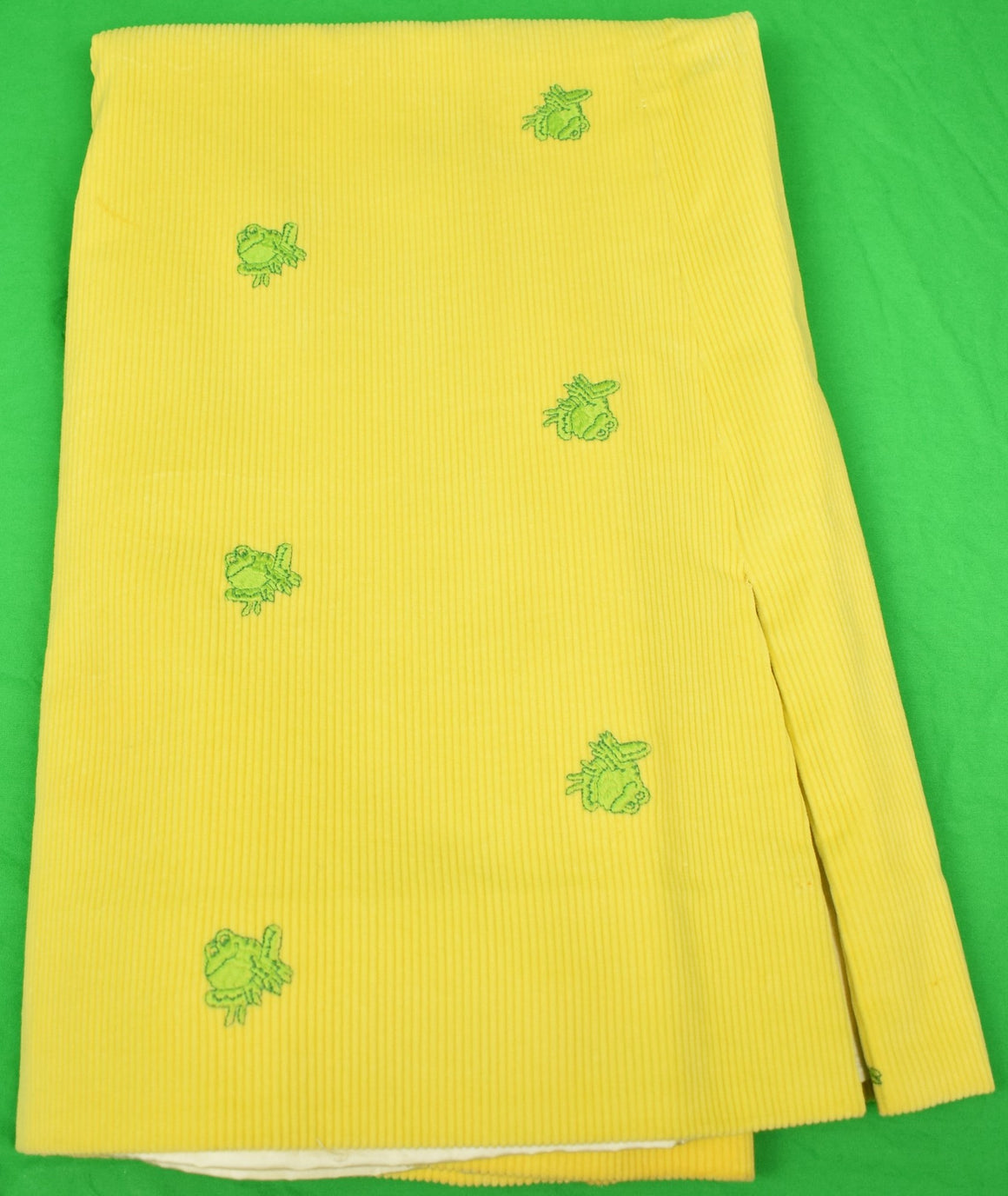 "The Andover Shop Yellow Corduroy w/ Embroidered Green Frogs Skirt Sz: 29""W"