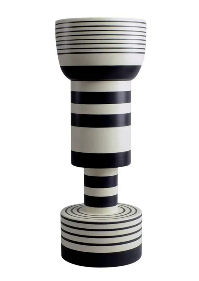 IMG_Ettore_Sottsas_design_vase_memphis_collection_1960_Bisotti_alexia_werrie_gallery_art_in_a_house