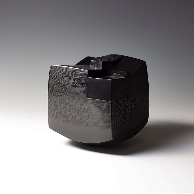 Brigitte Marionneau ceramic sculpture black artwork alexia werrie gallery brussels tervuren art in a house