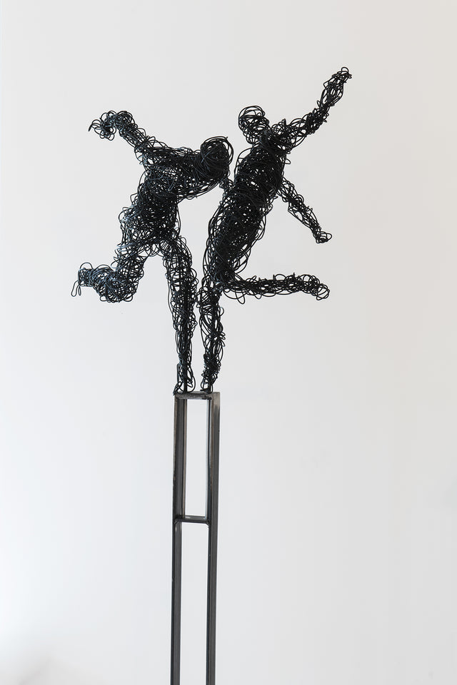 Artis Anne De Mol alexia_werrie_gallery_art_in_a_house_contemporary_art_gallery_brussels_tervuren_artist_anne_de_mol_sculpture_danse_tribale.jpg