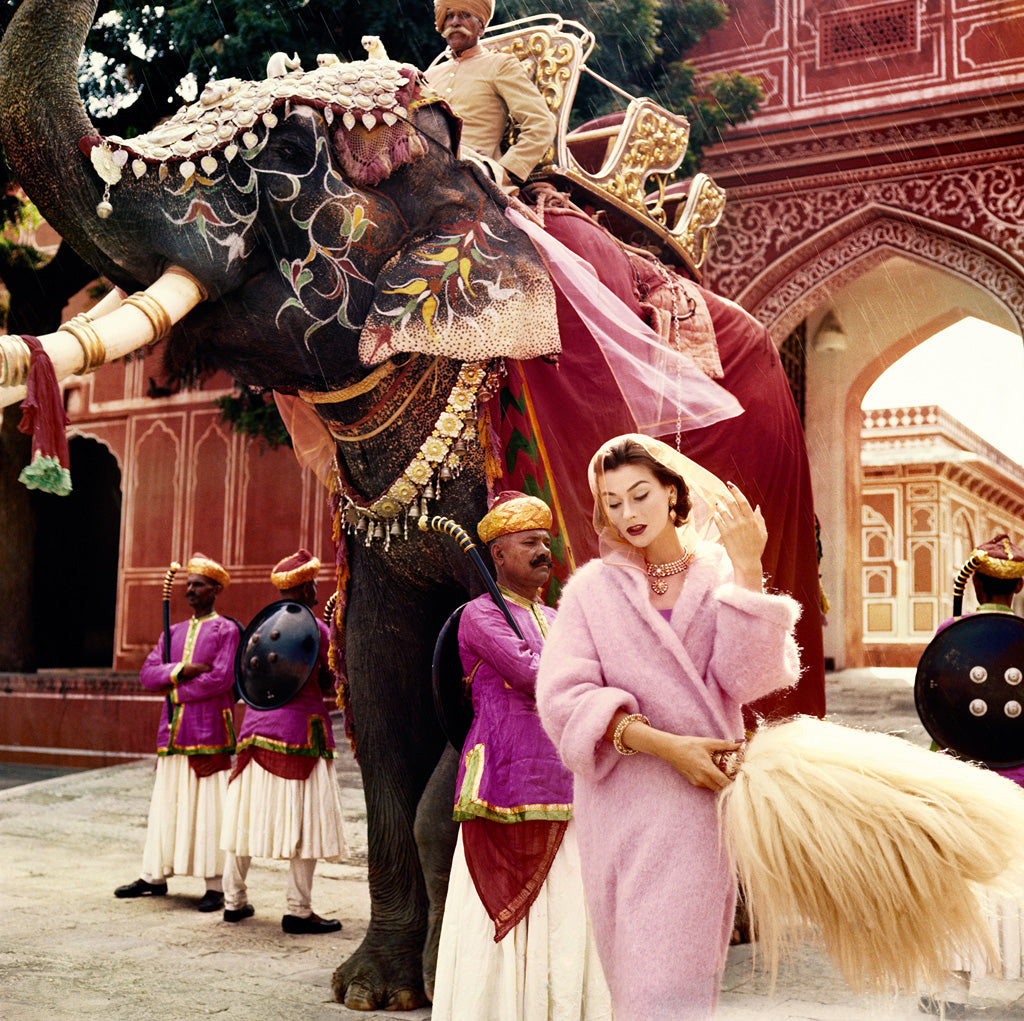 Anne Gunning in Jaipur by Norman Parkinson, 1956. Copyright Norman Parkinson Ltd / Courtesy Norman Parkinson Archive
