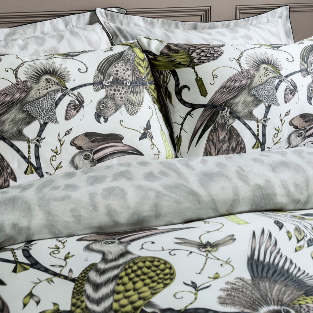 The unique Audubon Gold bedding will turn your bedroom into a jungle haven. Enjoy two designs in one with the luxe Gold Audubon on the front and the Silver grey reverse to add a touch of maximalism to a bedroom with an otherwise neutral colour scheme.