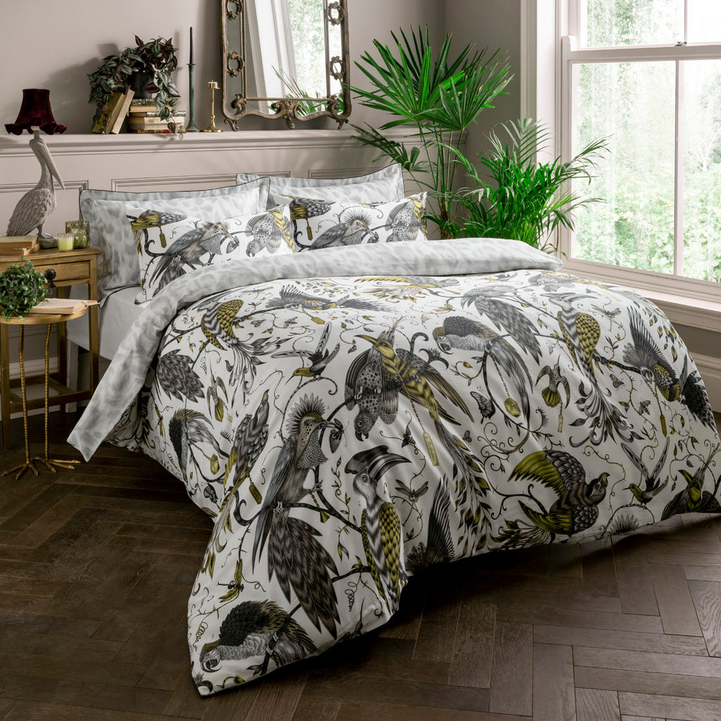 The unique Audubon Gold standard pillowcases will turn your bedroom into a jungle. Enjoy two designs in one with the luxe Gold Audubon on the front and the Silver grey reverse to add a touch of maximalism to a bedroom with an otherwise neutral colour scheme.