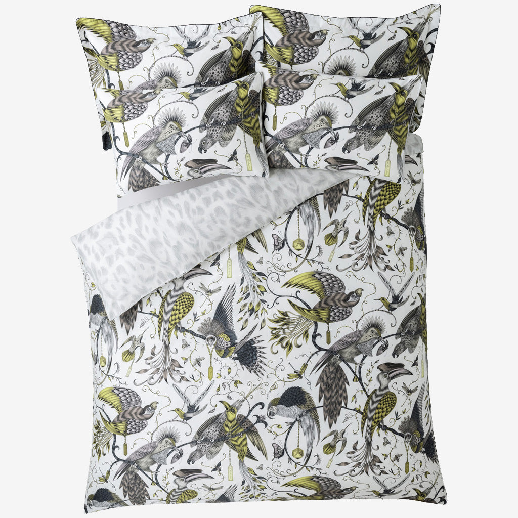 Enjoy two colours in one with the striking gold yellow design on the front with tonal grey details and the contrasting soft grey Felis animal pattern on the reverse.
