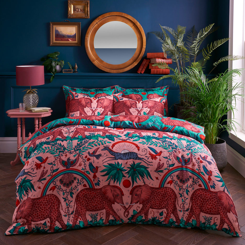 The enchanting Zambezi design is printed onto a 200 thread count cotton sateen reversible pillowcase, with an opulent border and rich pink piping.