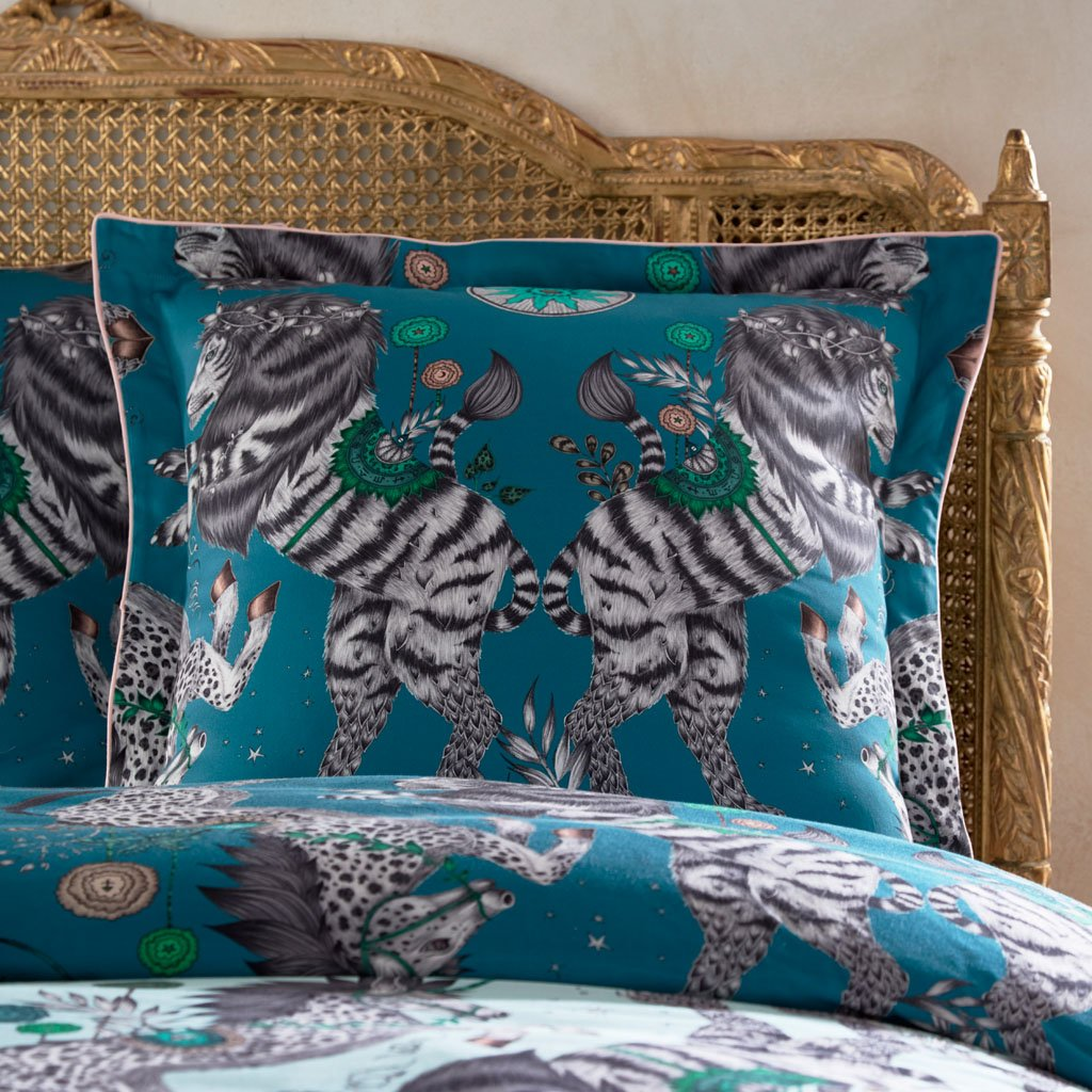 The Caspian Square Pillowcase with Oxford piping is inspired by JC. S. Lewis' Chronicles of Narnia and the designer Emma J Shipley's travels. The hand-drawn illustration adorns the magical bedding set that guarantees to turn your bedroom into a maximalist dream world.