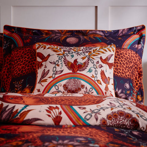 The Zambezi Boudoir Pillowcase is the perfect finishing touch to your bedroom interior, designed by Emma J Shipley, created in collaboration with Clarke & Clarke. Taking inspiration from the life of the African savannah and the fantasy of adventure stories